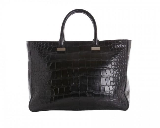 1. The Row - Day Luxe Tote Најскапата чанта достапна на Интернет е направена од кожа на алигатор. Ја краси еднотавниот крој, но и цена од 29.000 евра.