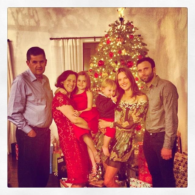 Александра Амброзио Божиќ го прослави со најблиските членови на своето семејство.