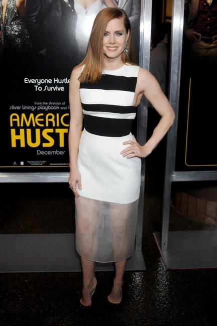 Ејми Адамс во фустан на Давид Кома на премиерата на American Hustle во Лос Анџелес