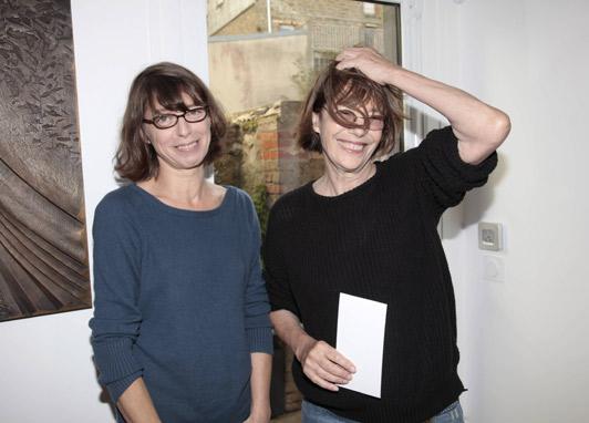 Кејт заедно со нејзината позната мајка, актерката Џејн Биркин