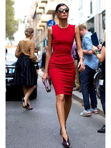 Елеганцијата никогаш не излегува од мода, а на улица е уште повпечатлива