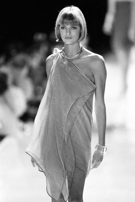 Дона Каран пролетна колекција ready-to-wear 1994 година.