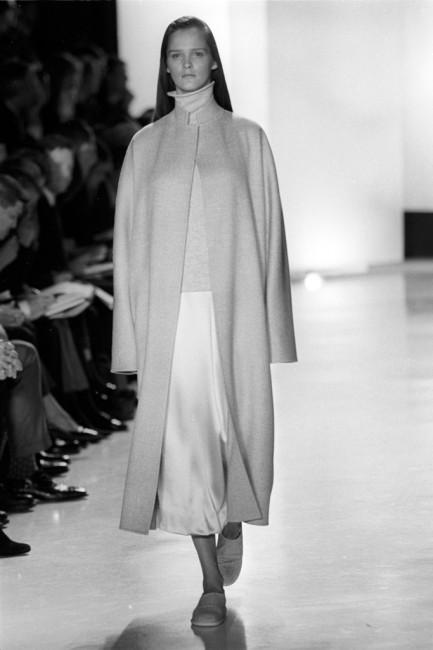 Дона Каран есенска колекција ready-to-wear 1998 година.