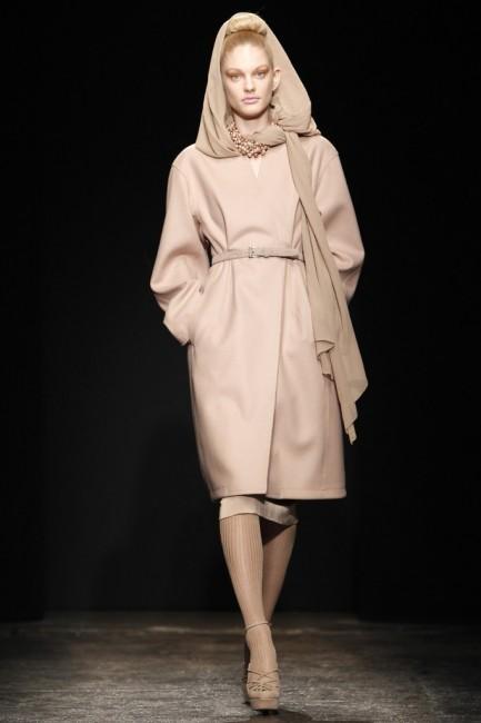 Дона Каран есенска колекција ready-to-wear 2011 година.