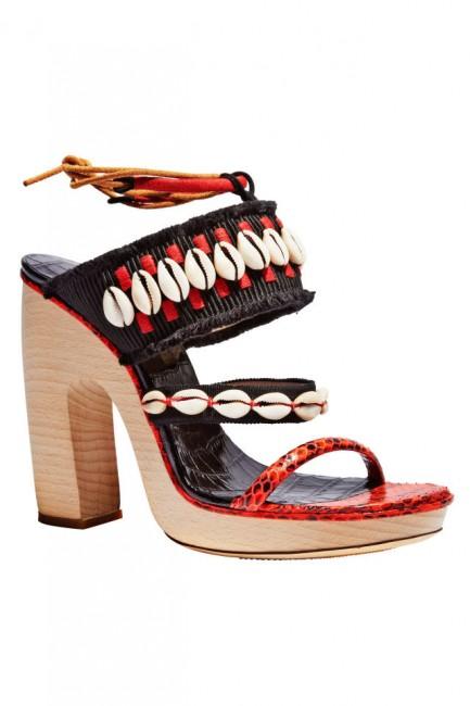 Чевли со школки