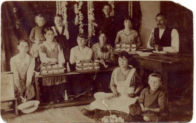 Семејството од Струмица познато по производство на свила