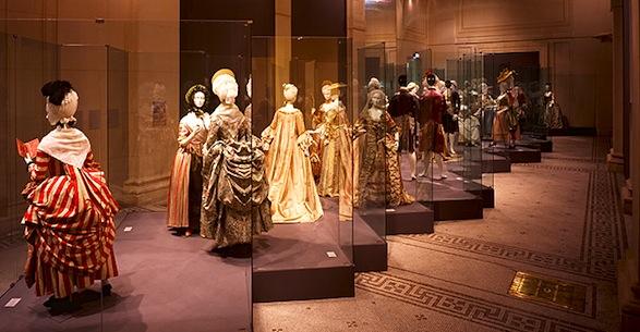 Модна (р)еволуција во Музејот за костим