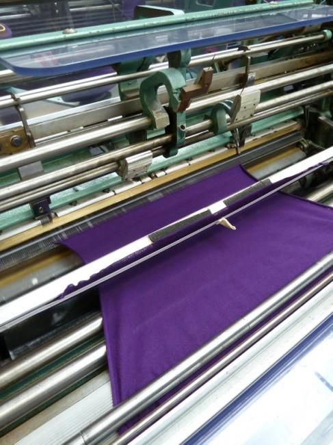 производство на материјал во фабрика за трикотажа