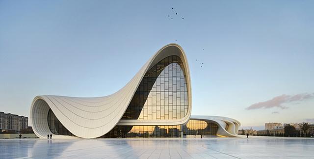 во категоријата архитектура победник беше неприкосновената Заха Хадид и објектот Heydar Aliyev Center во Баку