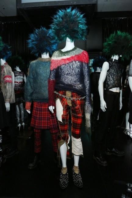 """Поставка од темата """"Панк: од хаос до висока мода"""""""