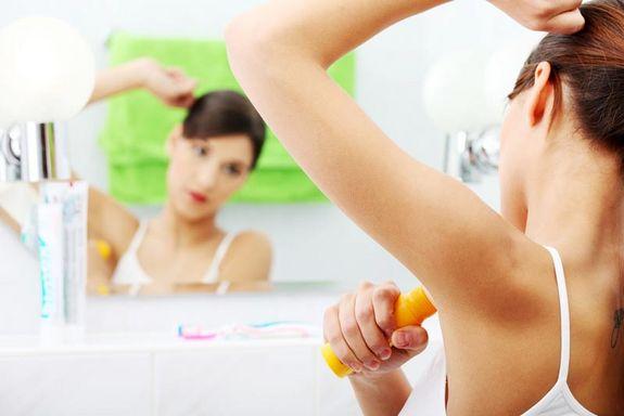 woman-deodorant