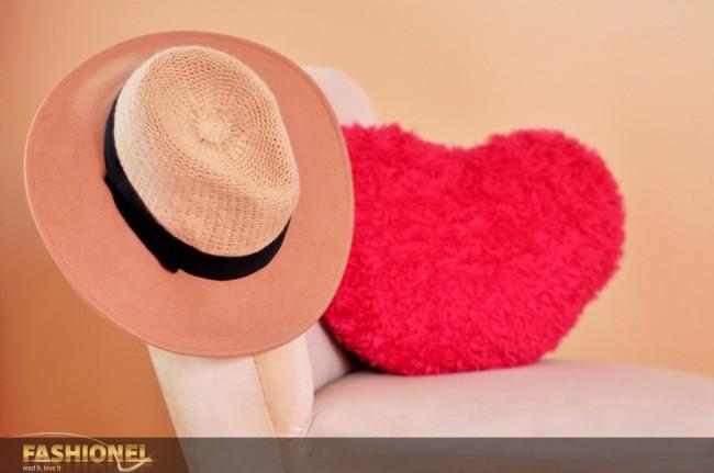 Како Каролина, и Мартина ги обожува шеширите!