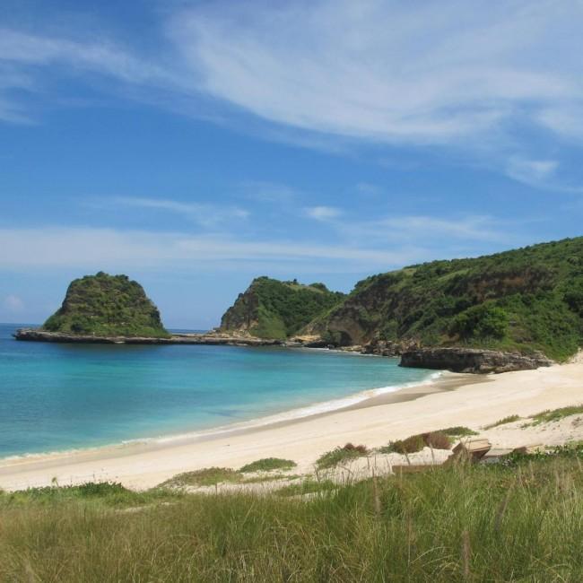 Jeeva Beloam, плажа во Индонезија