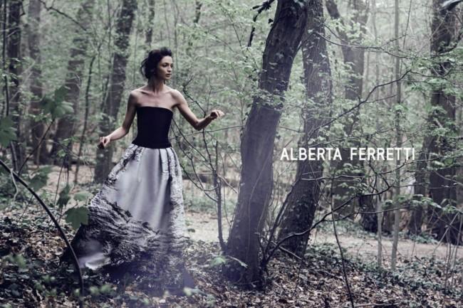 Алберта Ферети модел:Маријакарла Босконо фотограф:Питер Линдберг