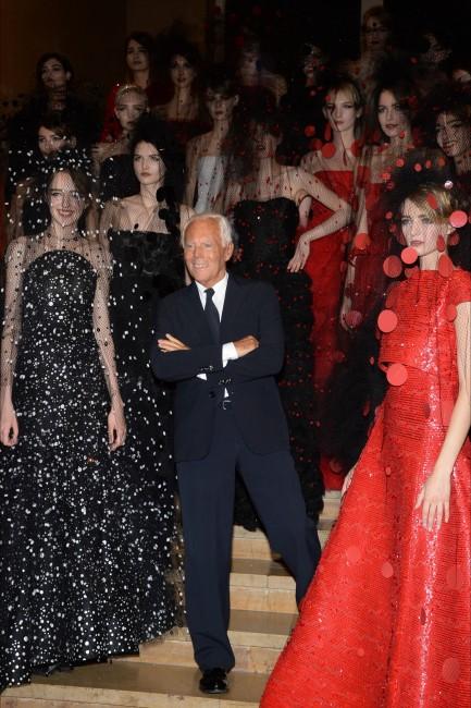 Џорџо Армани шоу: Џорџо Армани со моделите