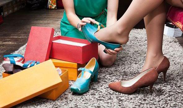 women-shoes-423293 (1)