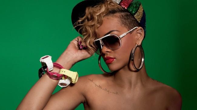 Rihanna-09-1080x1920