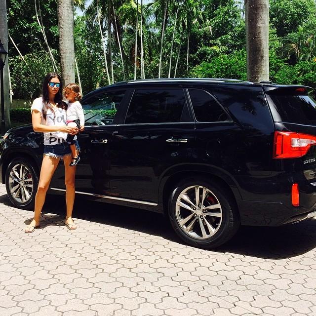 Андриана Лима ги ужива последните денови од својот летен одмор