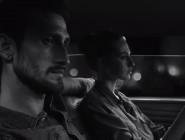 """Облечи се нормално"""" е новиот слоган во четирите мини филмови на Gap"""