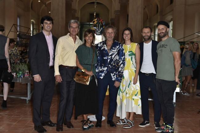 Џовани, Џани, Консуело,  и Каролина Кастиљони со Ренцо, Стефано и Андреа Росо.