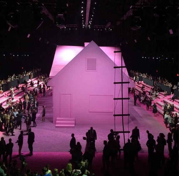 Една од најимпозантните беше и розовата куќа на Марк Џејкобс