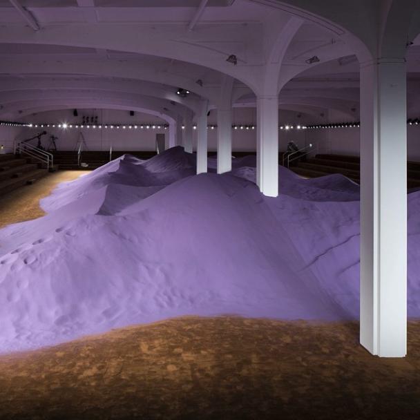 Песочни насипи на шоуто на Прада