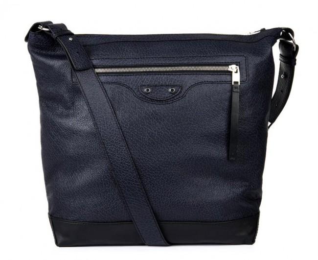 Баленсијата, машка чанта – 1, 095 долари