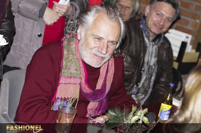 На промоцијата присуствуваше и еден од неговите најдобри пријатели Раде Шербеџија
