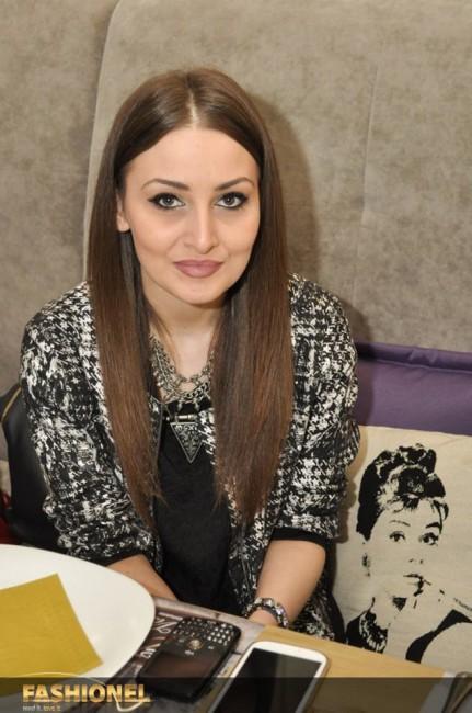 Марија Мечева, Уредник на модниот портал Fashionel