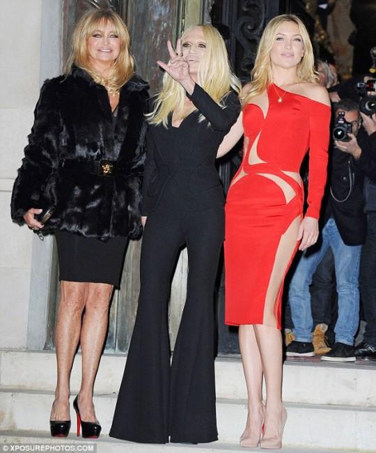 Кејт Хадсон со нејзината мајка и Донатела
