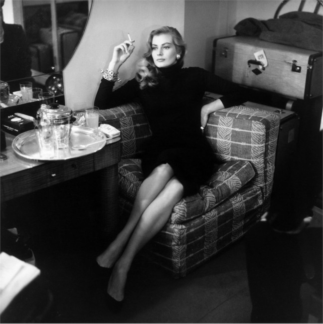 за време на пауза, Лондон, 1955 година