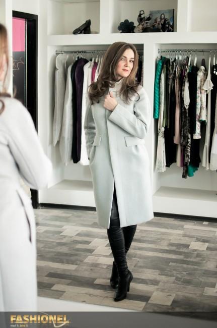 Пастелниот капут е последно парче што Биљана го купила за себе...