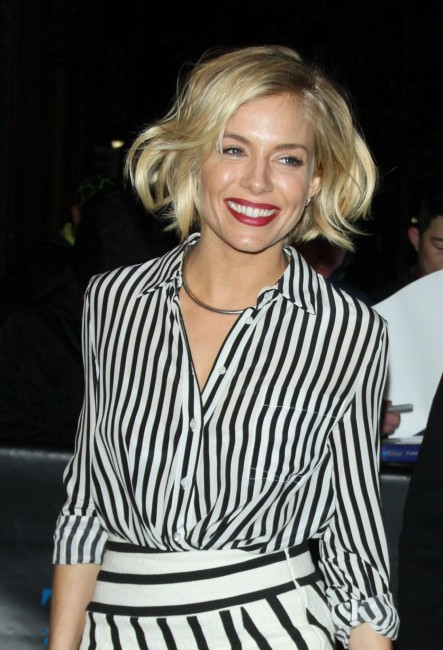 sienna-miller-outside-the-daily-show-with-jon-stewart-january-2015_1