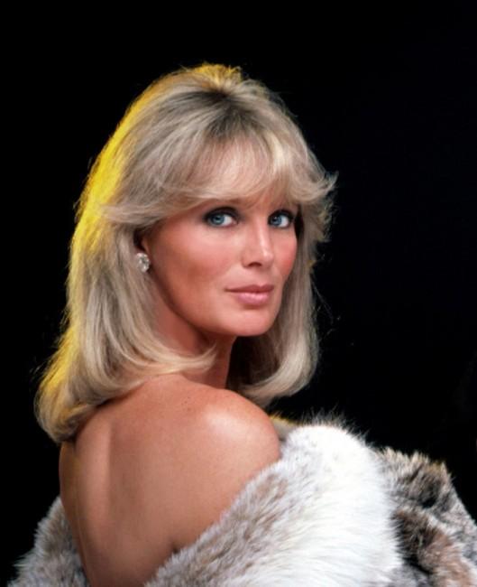 krsytle-glam-beauty-dynasty-80s