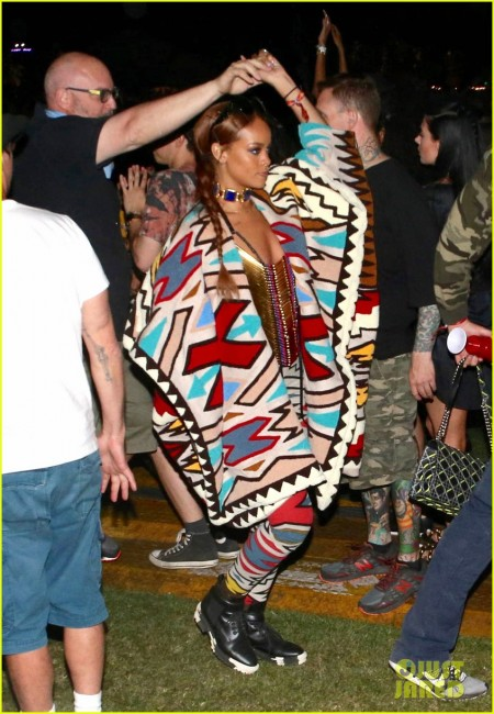 rihanna-covers-up-with-just-a-beaded-necklace-at-coachella-02 (1)