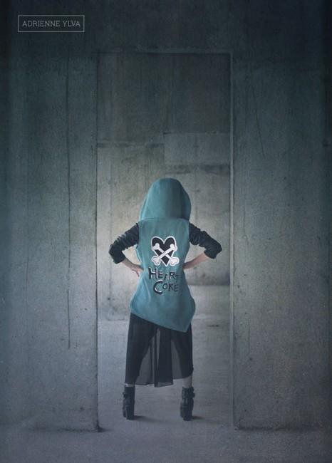 01-girl-vest-bacl-heartcore-adrienne-ylva