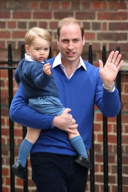 Вилијам и Џоџр заедно и' посакаа добредојде на малата принцеза