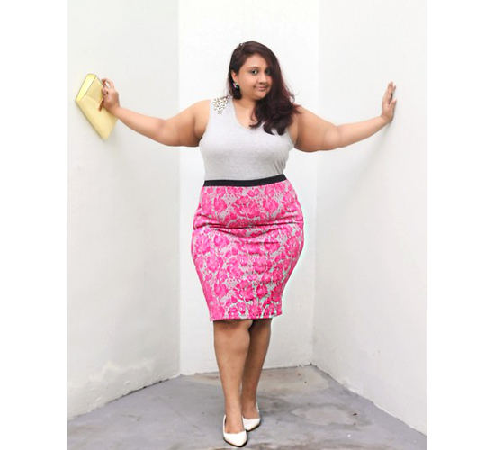 embedded_plus_size_pencil_skirt_outfit