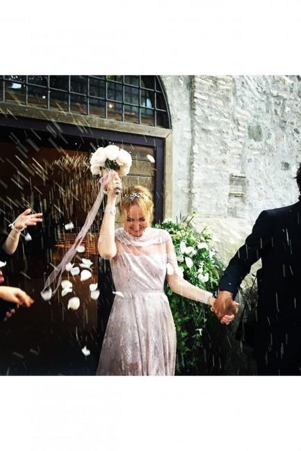 frida-wedding-vogue-2-9jun15-instagram-oliviamariotti_b