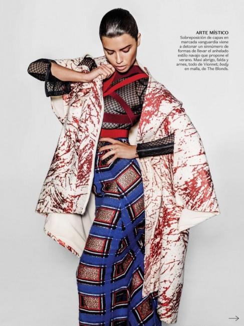 Adriana-Lima-Vogue-Mexico-2015--03-662x883
